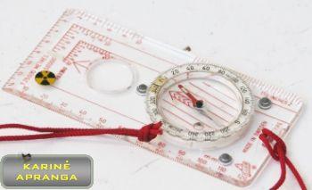 Švediškas kompasas su raudona spalva  pažymėta atskaitos sistema.