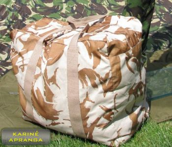 Smėlio spalvos maskuojamasis kelioninis krepšys