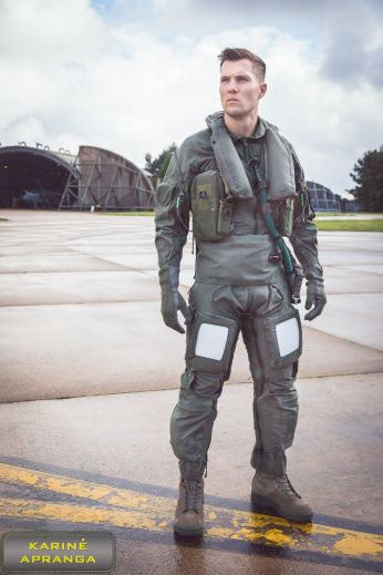 Naikintuvo piloto Anti- G kostiumas. Britų kariuomenė.