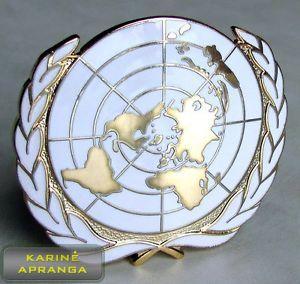 Jungtinių tautų beretės ženklas. UN badge.